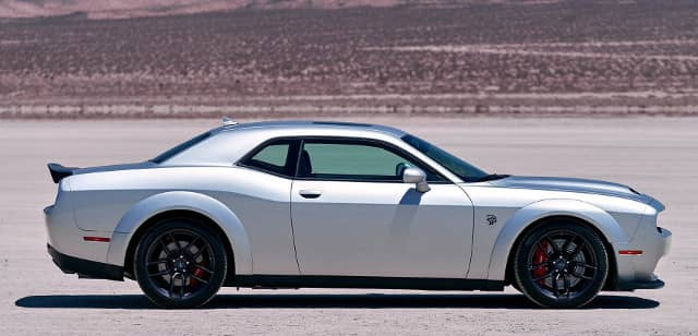side view of 2019 Dodge Challenger SRT Hellcat Redeye