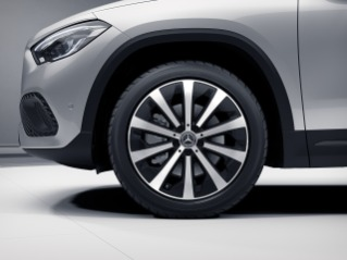 "R58 - 19"" 10-Spoke Wheels w/ Matte Black Accents"
