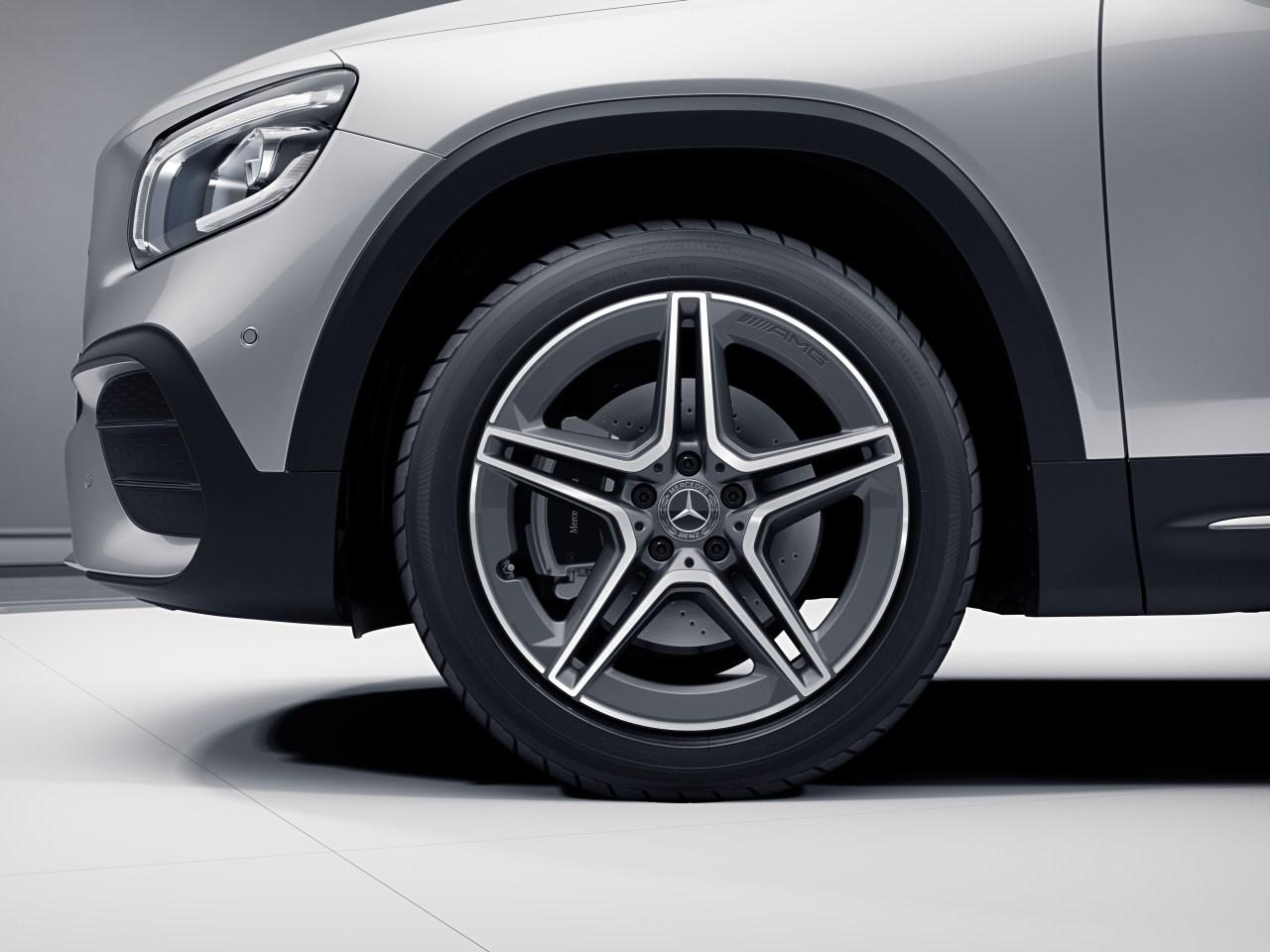 """19"""" AMG Twin 5-Spoke Wheels"""